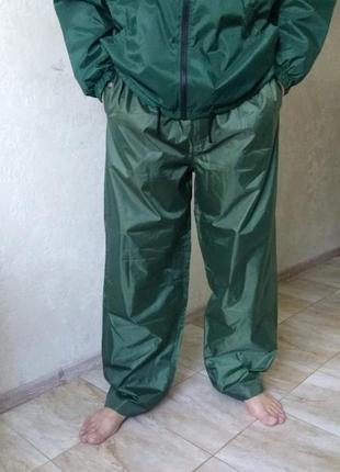 Фирменные штаны для рыбалки и туризма. штаны из плащевки ветро и влагостойкие. spro.
