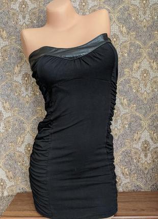 Мини обтягивающее платье корсет без бретелек с кожаной вставкой