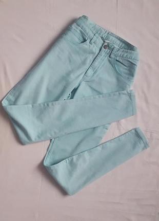 Світлі блакитні штани на літо