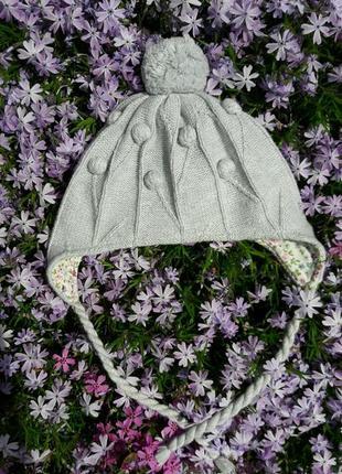 Вязанная шапочка с помпоном весна-осень