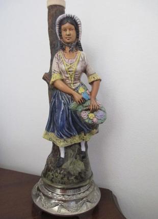 Графин синьора с корзиной цветов. hand painted italy. h-33 см. фарфор.