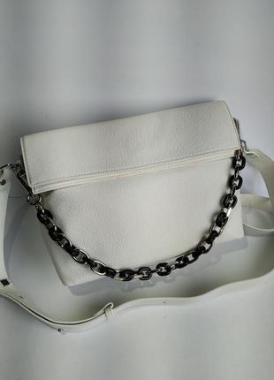 Кожаная сумка через плече белая
