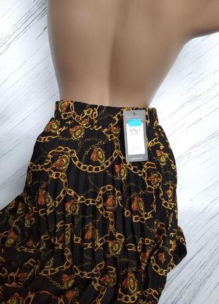 Шикарнейшая гофрированая юбка со стильным принтом от new look size uk 14
