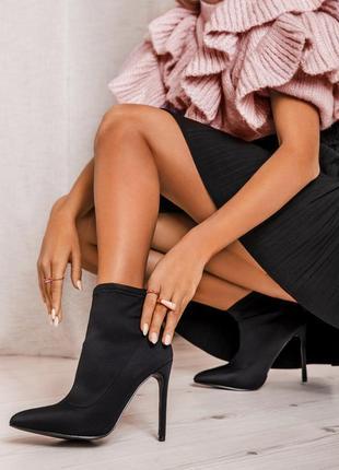 Черные ботиночки на шпильке!!!