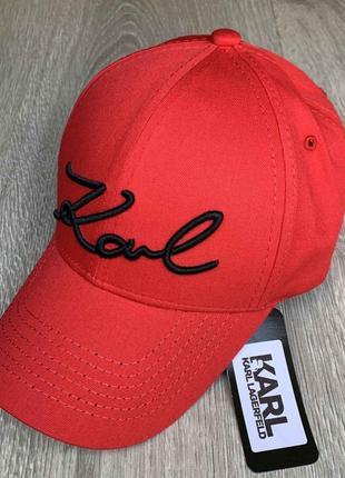 Бейсболка, кепка karl lagerfeld красная
