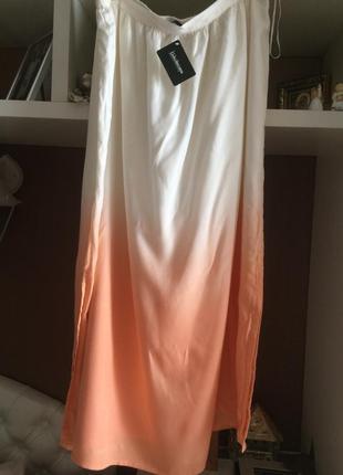 Длинная юбка большого размера.