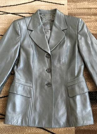 Фірмова шкіряна куртка