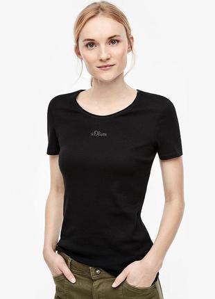 Базовая чёрная футболка с логотипом s.oliver