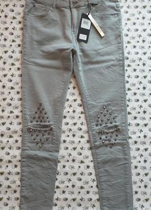 Рваные джинсы летние штаны с дырками на коленях италия  pronto moda
