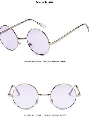 Круглые очки от солнца с тонкой серебристой оправой и дымчатой сиреневой линзой2 фото