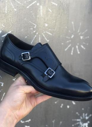 Мужские новейшие туфли