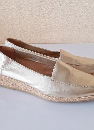 Очень красивые золотые лоферы / туфли / эспадрильи footglove wider fit