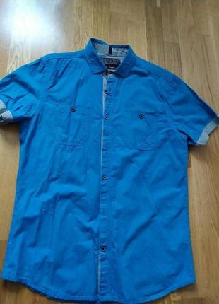 Класна рубашка на короткий рукав