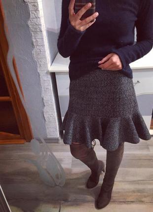 Стильная юбка расклешенная из неопрена от atmosphere , тёплая неопреновая
