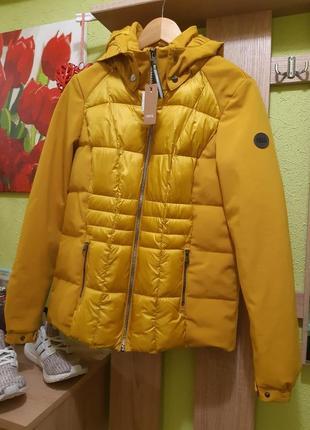 Куртка від cecil
