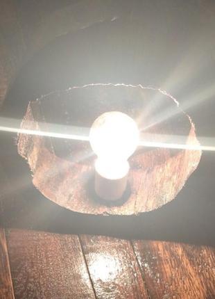 Светильник из дерева.