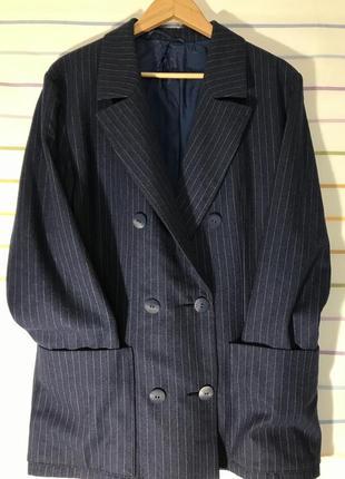 Стильный синий пиджак в полоску