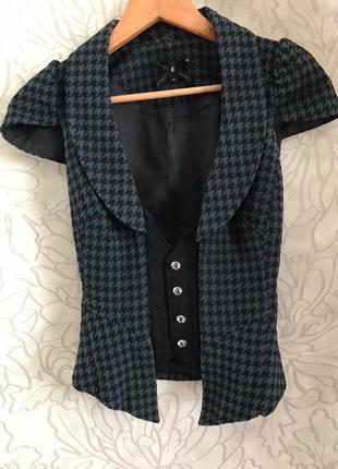 Жилетка на блузку