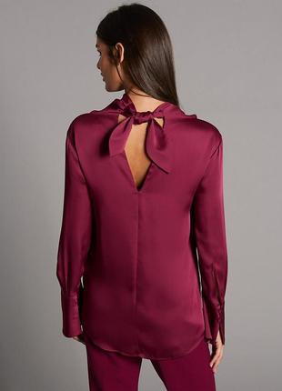 Шикарная блуза с бантом на шее и воротом водопадом