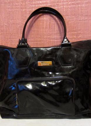 Черная лаковая сумка oriflame