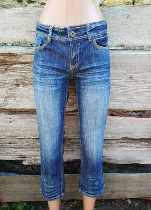 Укороченные джинсы cache cache