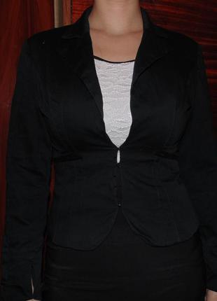 Классический пиджак, сделан и куплен в италии.
