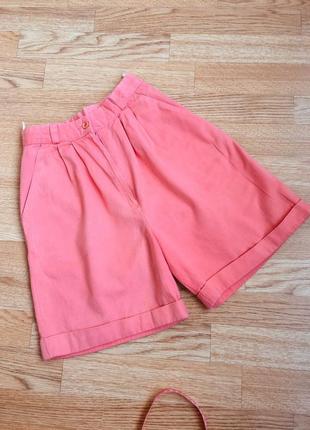 Джинсовые шорты, очень высокая посадка, цвет розово - персиковый