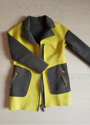 Неопреновое весеннее пальто