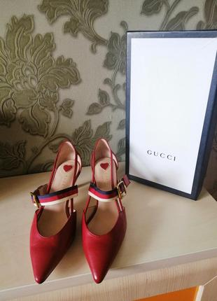 Босоножки туфли gucci кожа 38