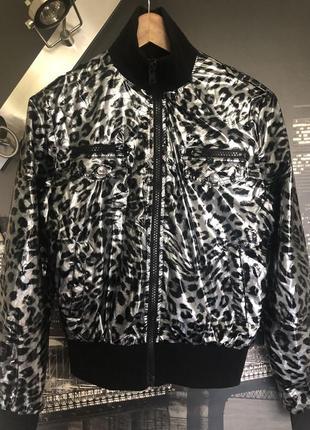 Красивая стильная куртка redial