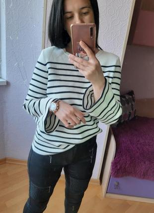 Стильный свитер актуальный с шнуровкой на спинке  esprit