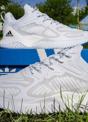 Унисекс кроссовки adidas! легкая летняя модель! 27.5 см, 100% текстиль.