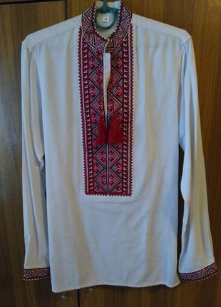 Льняная рубашка вышиванка