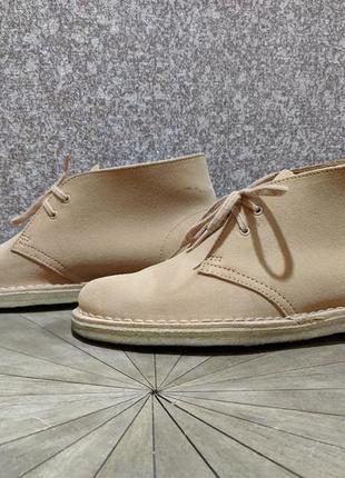Жіночі черевики clarks