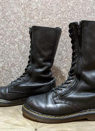 Жіночі черевики dr. martens