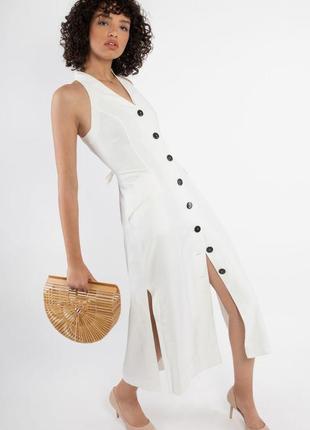 Шикарное летнее белое платье с v-образным вырезом. для тех, кто ценит качество.