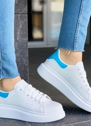 Крутые белые кроссовки кеды