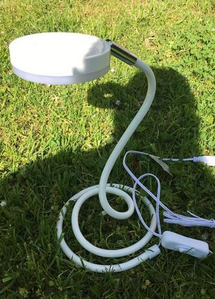Светлодіодная настольная лампа livarnolux