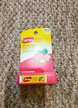 Carmex бальзам для губ клубника