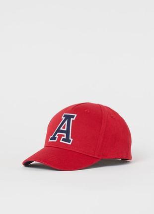 Яркая кепка, бейсболка