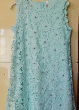 Нежнейшее  платье из кружева мятного цвета
