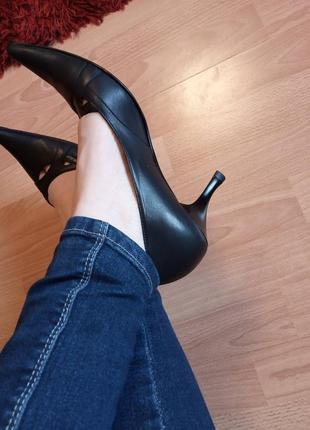 Италия.шикарные, богатые, класические, кожаные туфли, туфельки, лоферы.