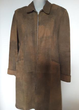 Пальто из кожи выворотки под замш