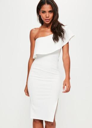 Нарядное белое платье миди