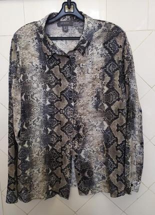 Змеиный принт.блуза рубашка.вискоза.