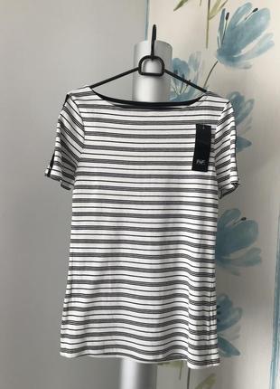 Новая. бело-чёрная полосатая футболка в рубчик и золотыми пуговицами f&f