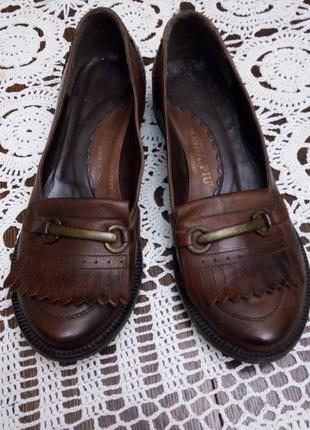 Лоферы туфли итальянского бренда