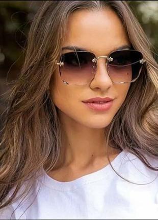 Стильные солнцезащитные очки градиент
