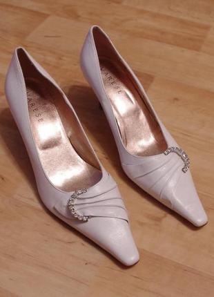 Varese 38р туфли лодочки узкий носок белые свадебные германия кожа