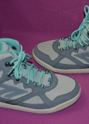 Водонепроницаемые кожаные ботинки